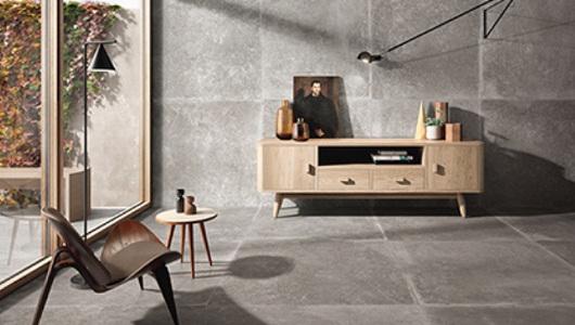 Sala de estar con azulejos imitacion piedra