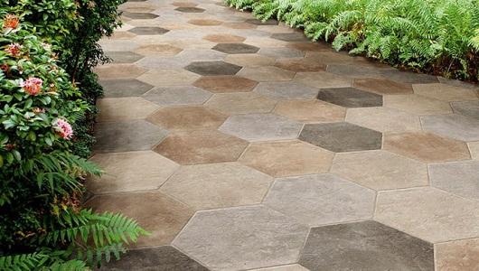 sendero de azulejos imitacion piedra