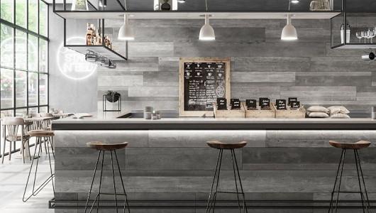 Usos del porcelánico imitación madera en paredes
