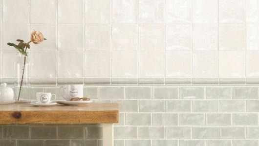 Molduras decorativas para combinar con azulejos de cocina